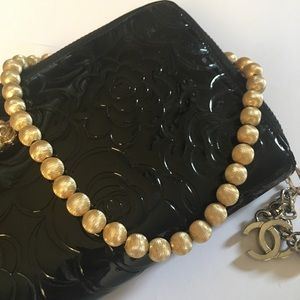 Jewelry - Vintage Monet Polished Gold Necklace